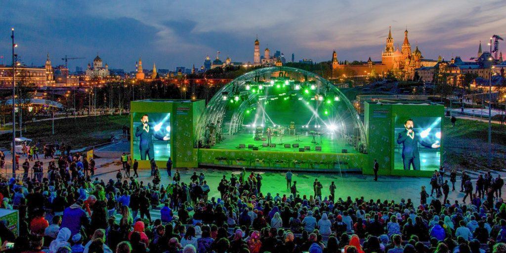 концертный зал под открытым небом в парке зарядье