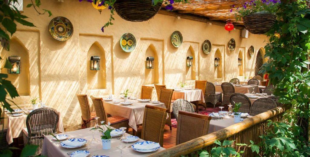 летняя веранда ресторана Узбекистан