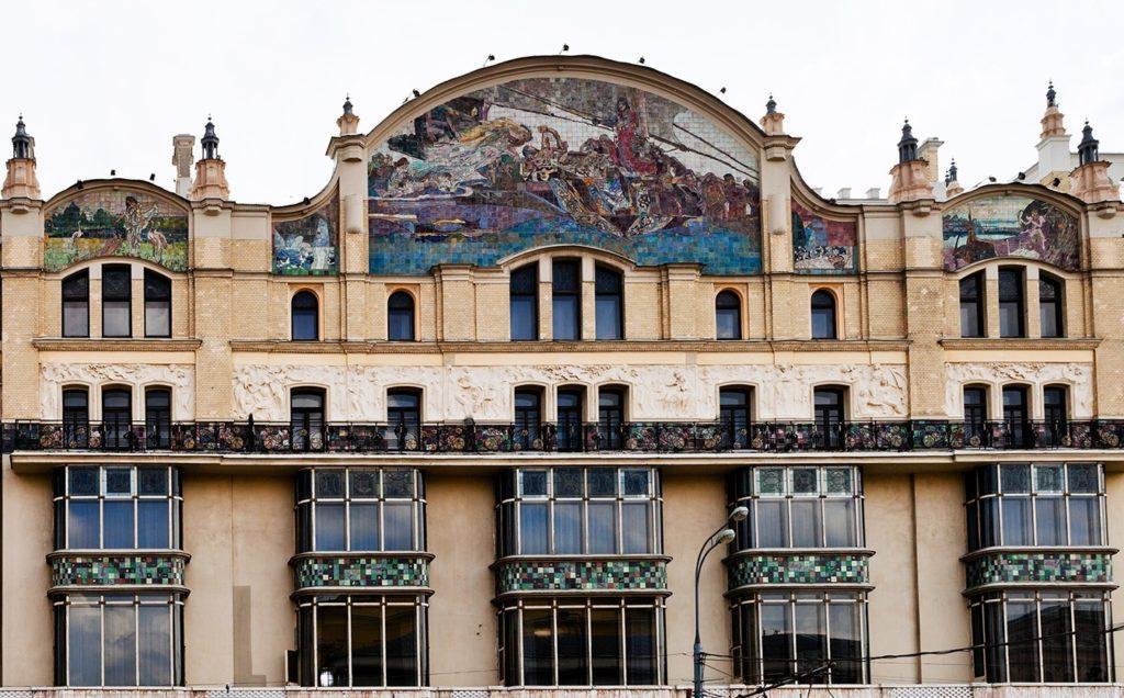 Майоликовые панно на фасаде гостиницы Метрополь