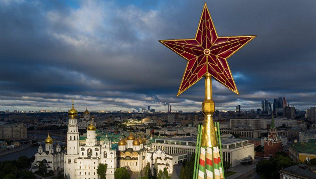 звезда спасской башни Кремля
