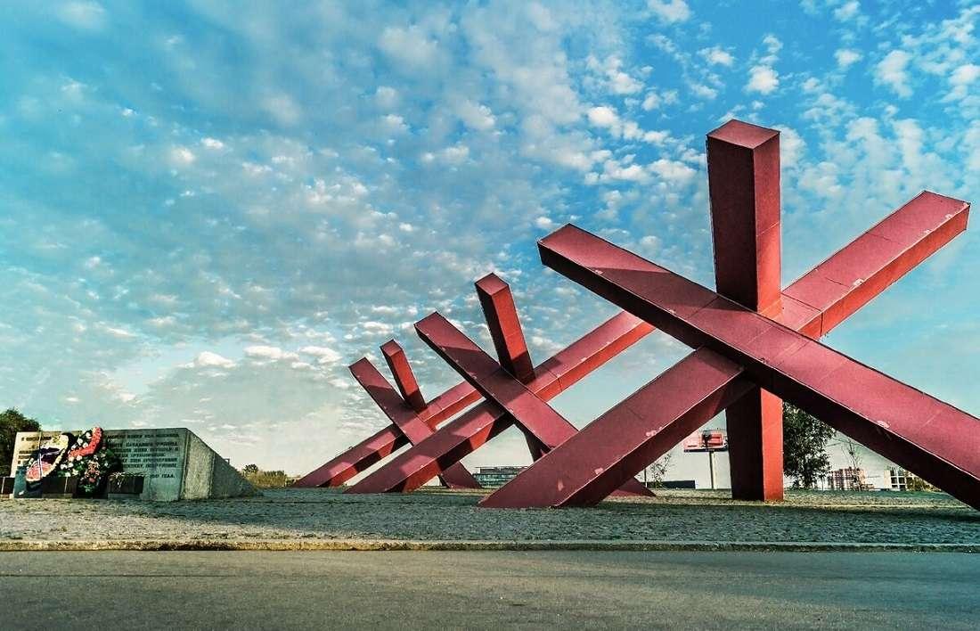 Монумент «Ежи» на Ленинградском шоссе