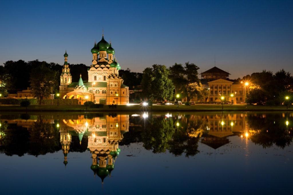 Усадьба Останкино ночью