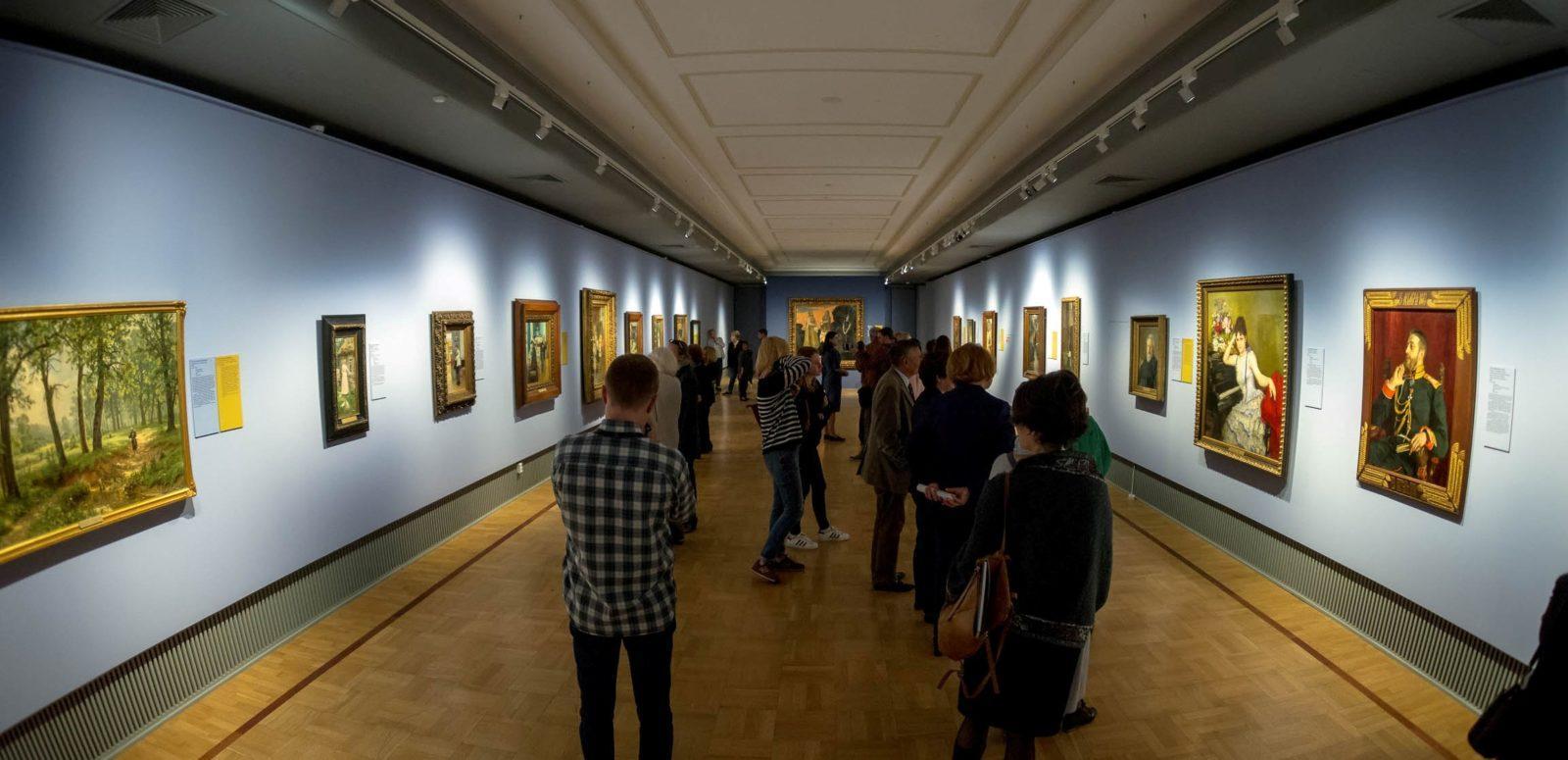 зал художники-реалисты и передвижники Третьяковская галерея
