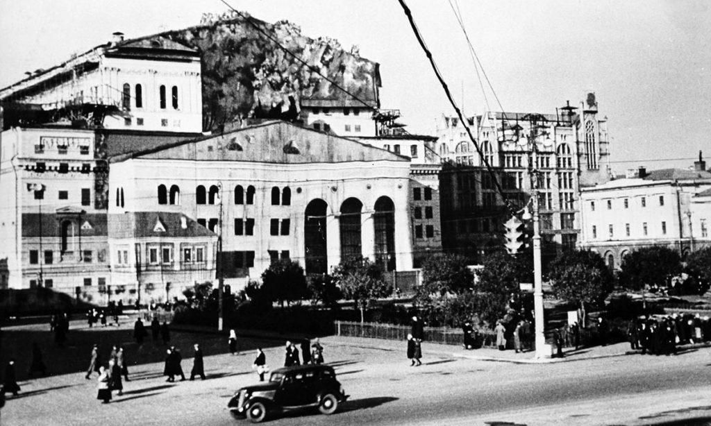 Маскировка Большого театра в Москве