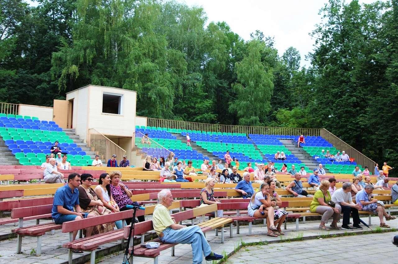 Летний кинотеатр в Измайловском парке