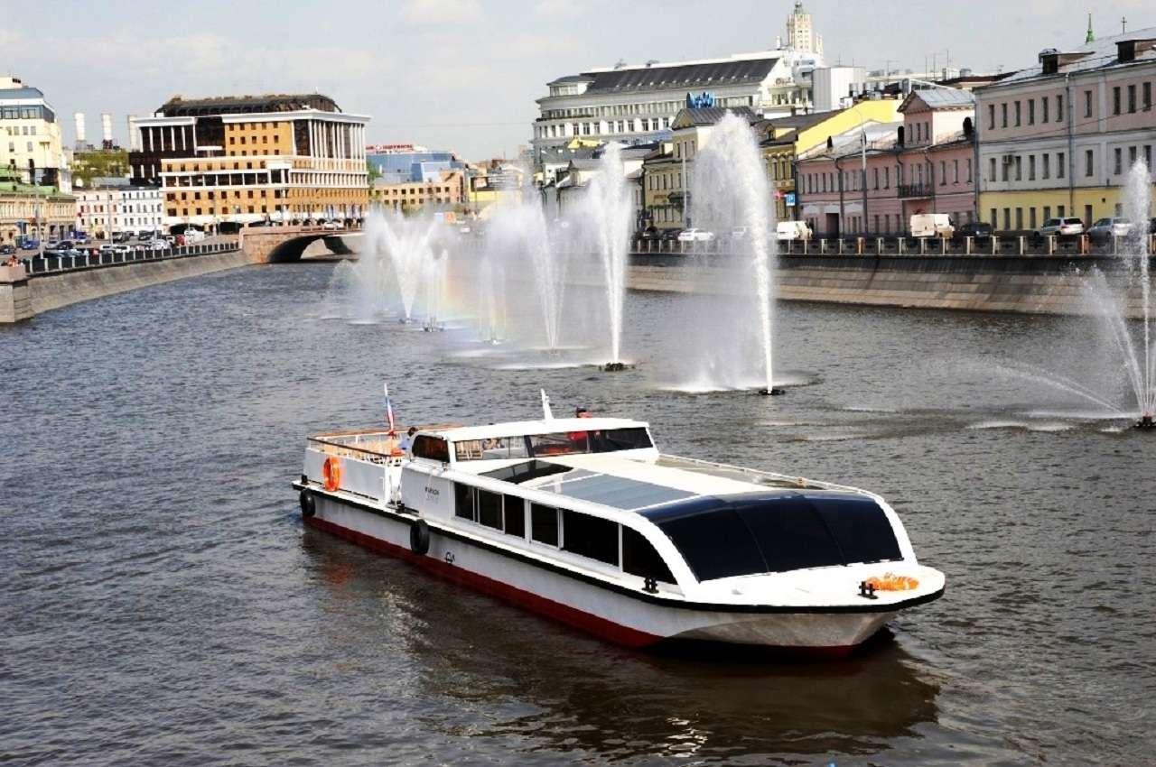 Пешеходно-теплоходнаяэкскурсияпо Москве-реке «Мистическая Москва»