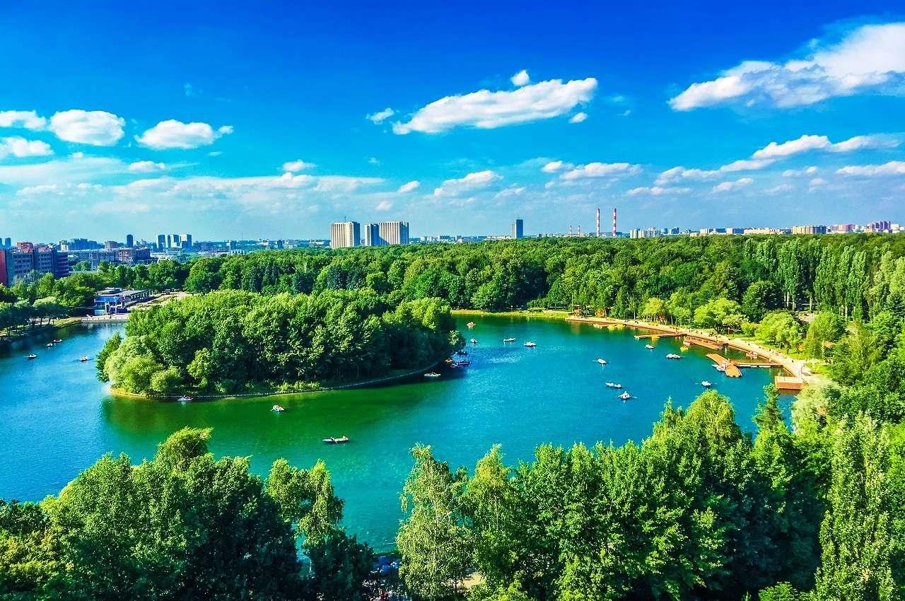 Измайловский парк в Москве