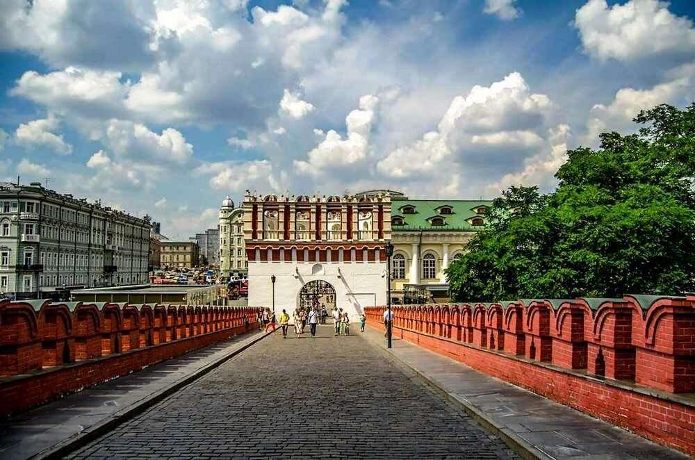 Кутафья башня и Троицкий мост