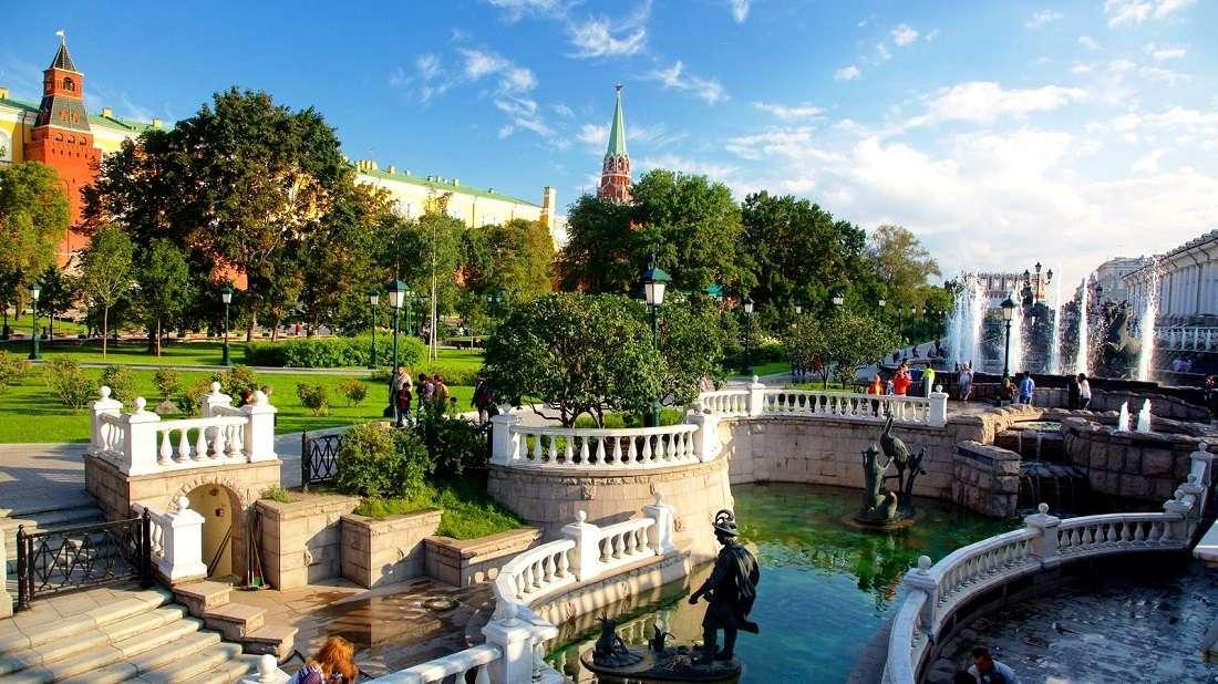 Фонтаны в Александровском саду