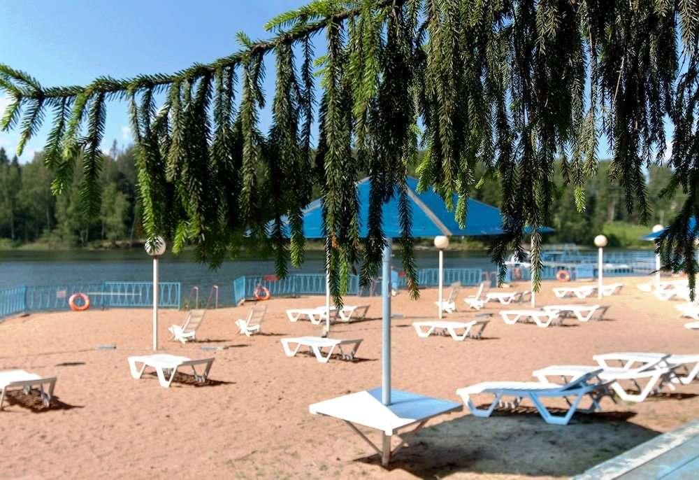 Парк-отель «Флора парк» на Истринском водохранилище