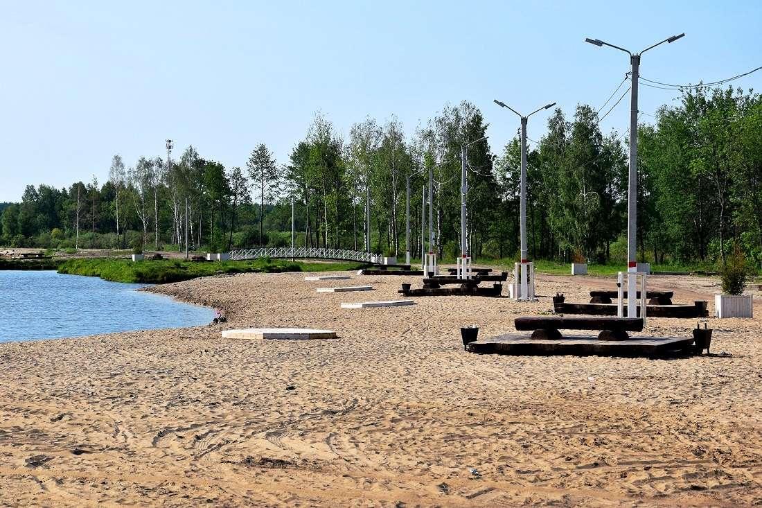 Пляж на озере Юбилейное