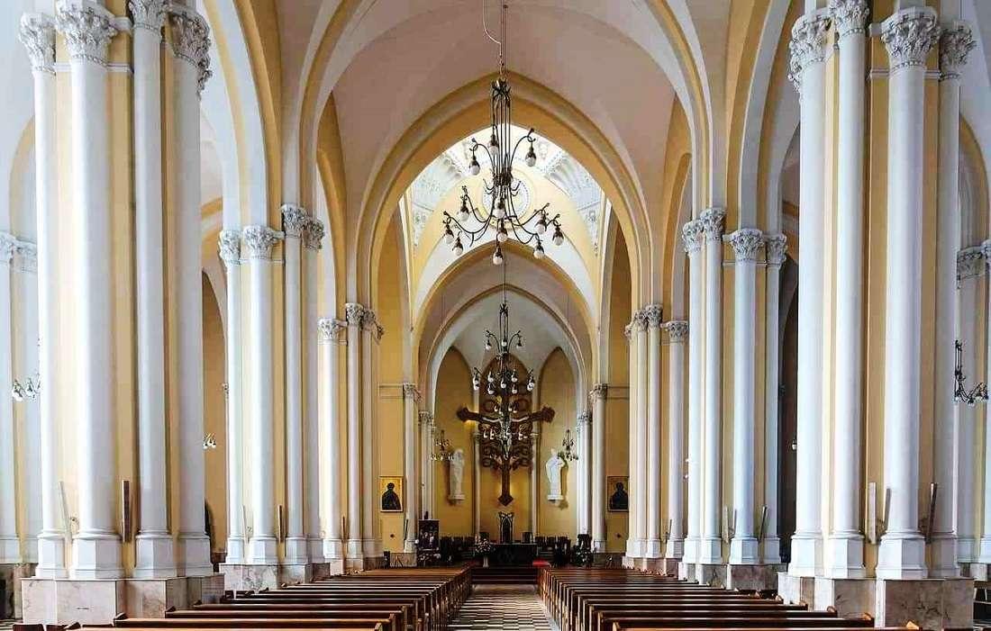 Внутреннее убранство Собора Непорочного Зачатия Пресвятой Девы Марии