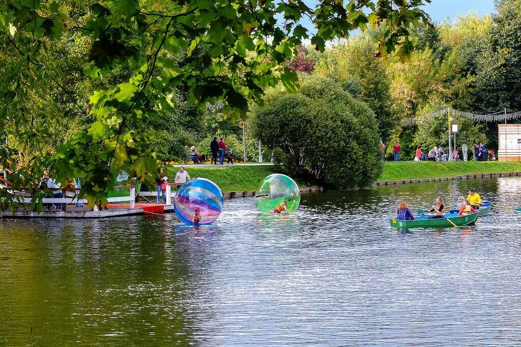 Воронцовский пруд в парке «Усадьба Воронцово»