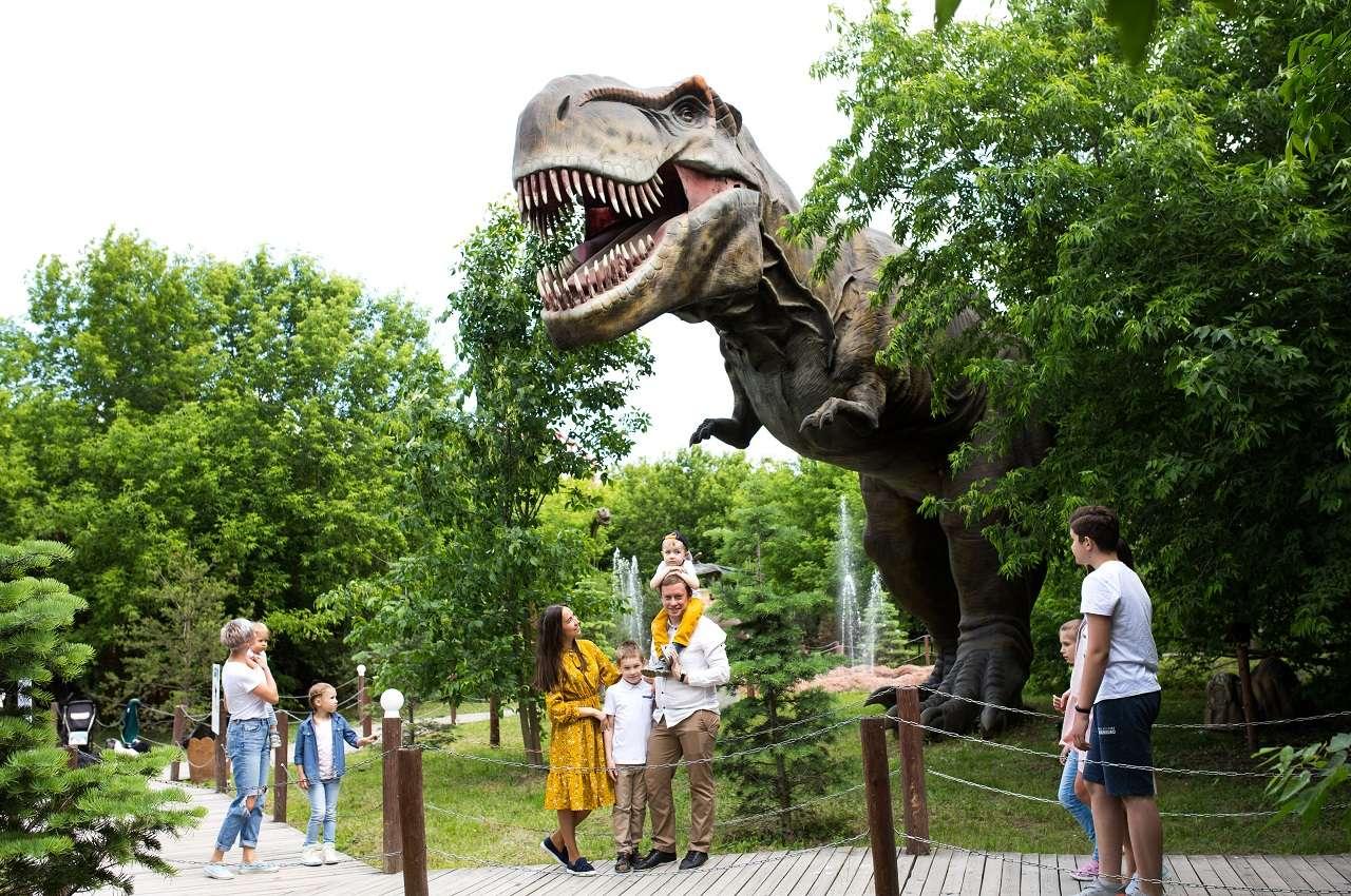 Парк «Сказка» дарит всем первоклашкам билет в Дино парк