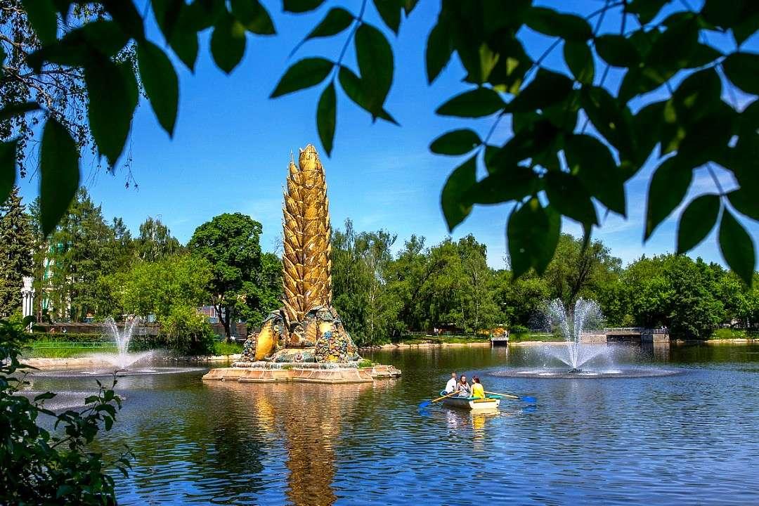 Пруд с фонтаном «Золотой колос» на ВДНХ
