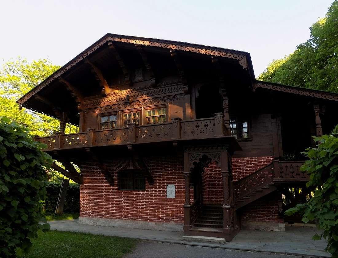 Швейцарский домик в усадьбе Кусково
