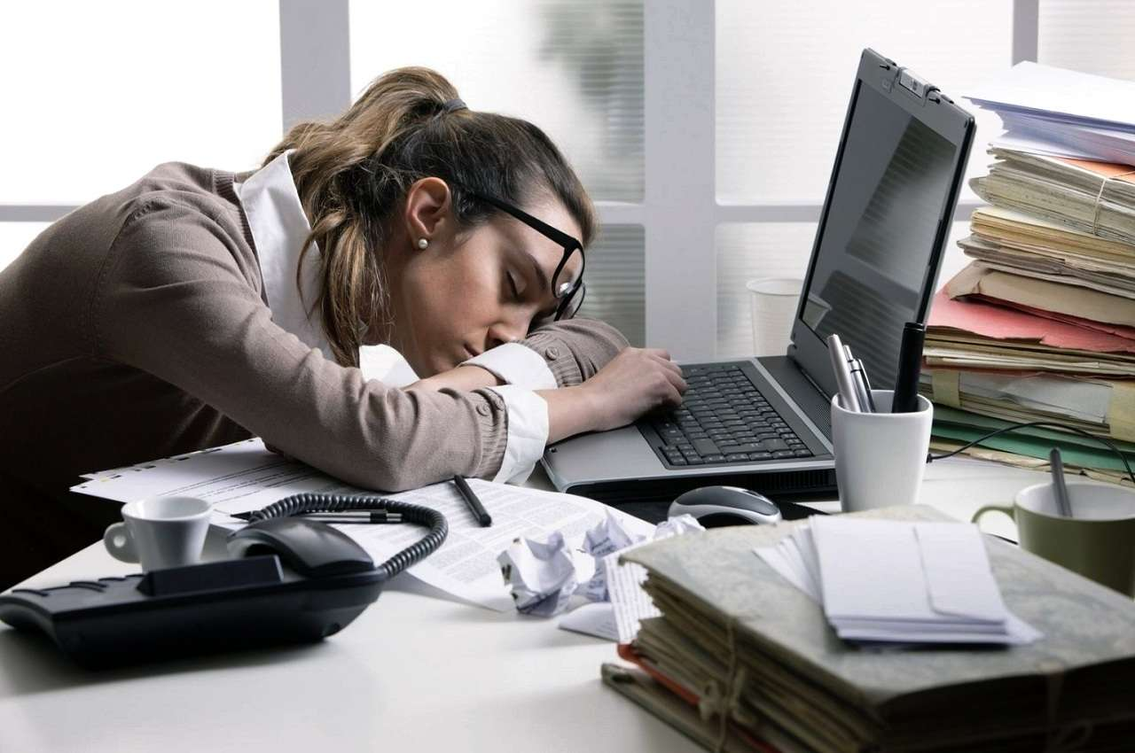 Постоянно хочется спать: все причины сонливости