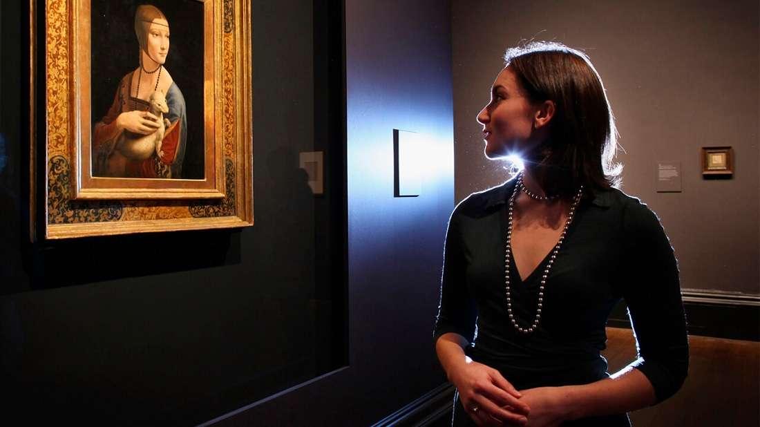 Посещение музея с девушкой