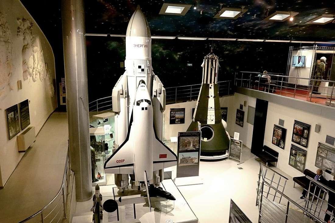 Советский многоразовый космический челнок «Буран»