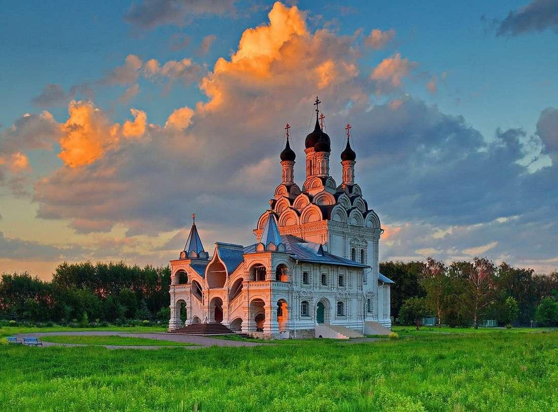 Храм Благовещения Пресвятой Богородицы в Мытищах